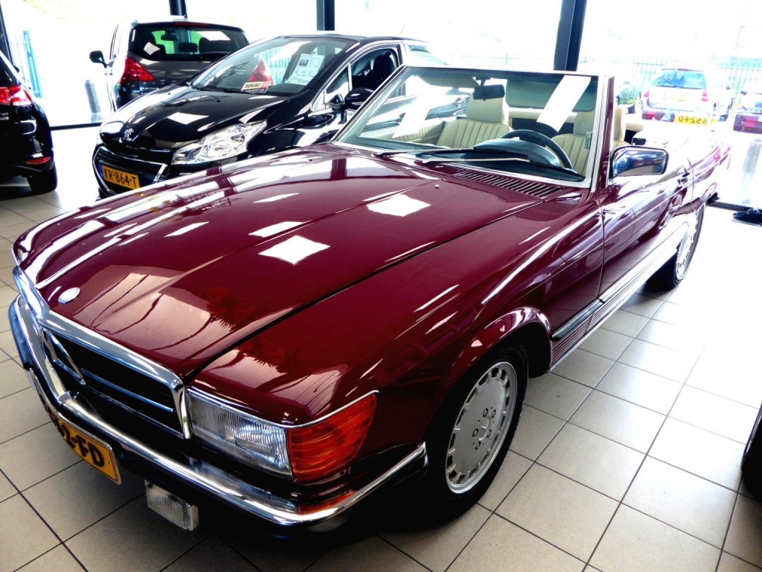 Mercedes-Benz-SL-Klasse-0