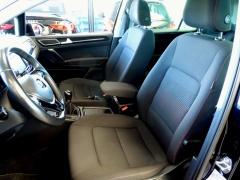 Volkswagen-Golf Sportsvan-8